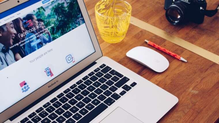 Facebook dla firm – czy warto założyć swój fanpage?